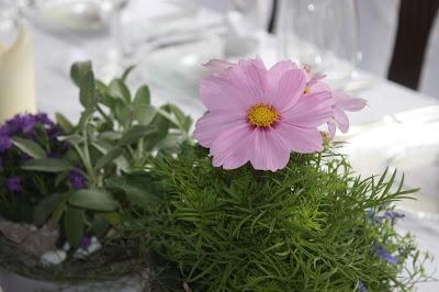 Sommerblumen-Hochzeit -  Seehaus am Riessersee, Riessersee Hotel Garmisch-Partenkirchen, #Riessersee #Hochzeit #Garmisch #bunte Wiesenblumen #Riessersee Hotel #heiraten #Bergwiese #freie Trauung