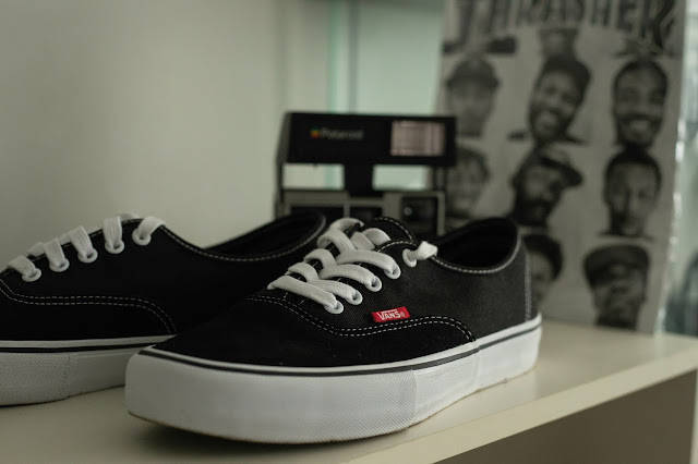 Simple Commercial product photos vans sneakers
