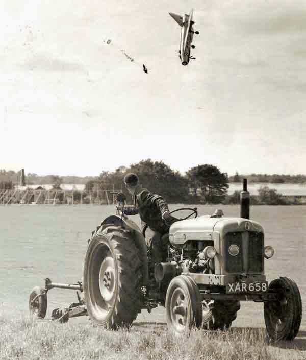 24 Rare Historical Photos That Will Leave You Speechless - Test pilot George Aird flying the English Electronic Lightning F-1. He had to eject himself out of the plane after losing control of it.