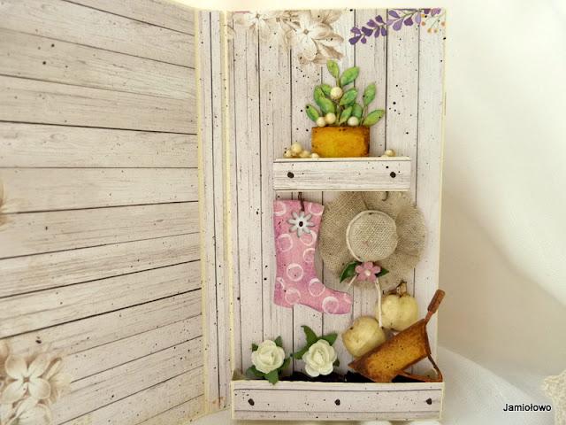 przestrzenne elementy kartki -kapelusz, doniczki, kwiaty