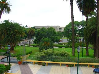 Praça em Frente à Avenida Figueroa Alcorta e à Faculdade de Direito, na Recoleta