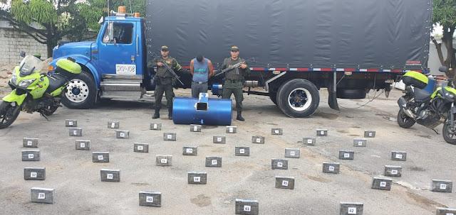 Llevaba 70 kilos de coca camuflados en el tanque de gasolina