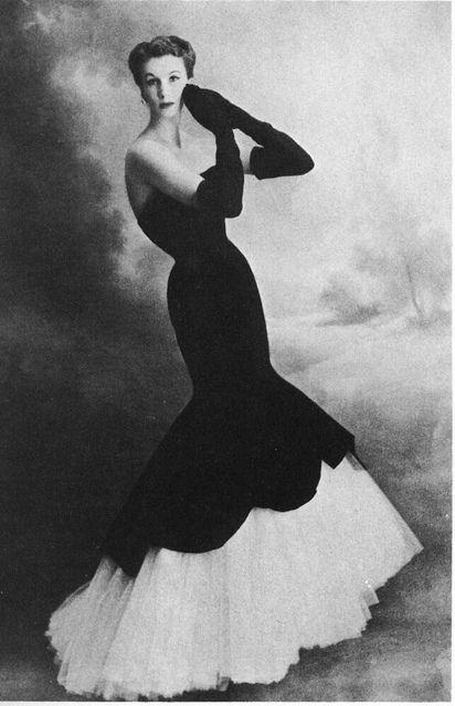 Vestido sereia anos 50, modelo Balancianga