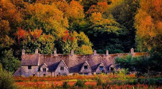 Bibury village.