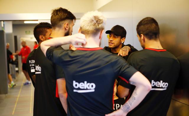 Neymar melaksanakan hal itu alasannya yaitu tidak sanggup membela PSG Berita Terhangat Neymar Kembali ke Barcelona