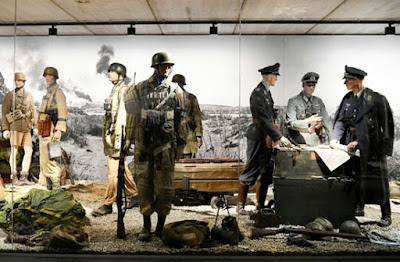 سرقة أزياء نادرة للنازيين وأسلحة من متحفين في هولندا