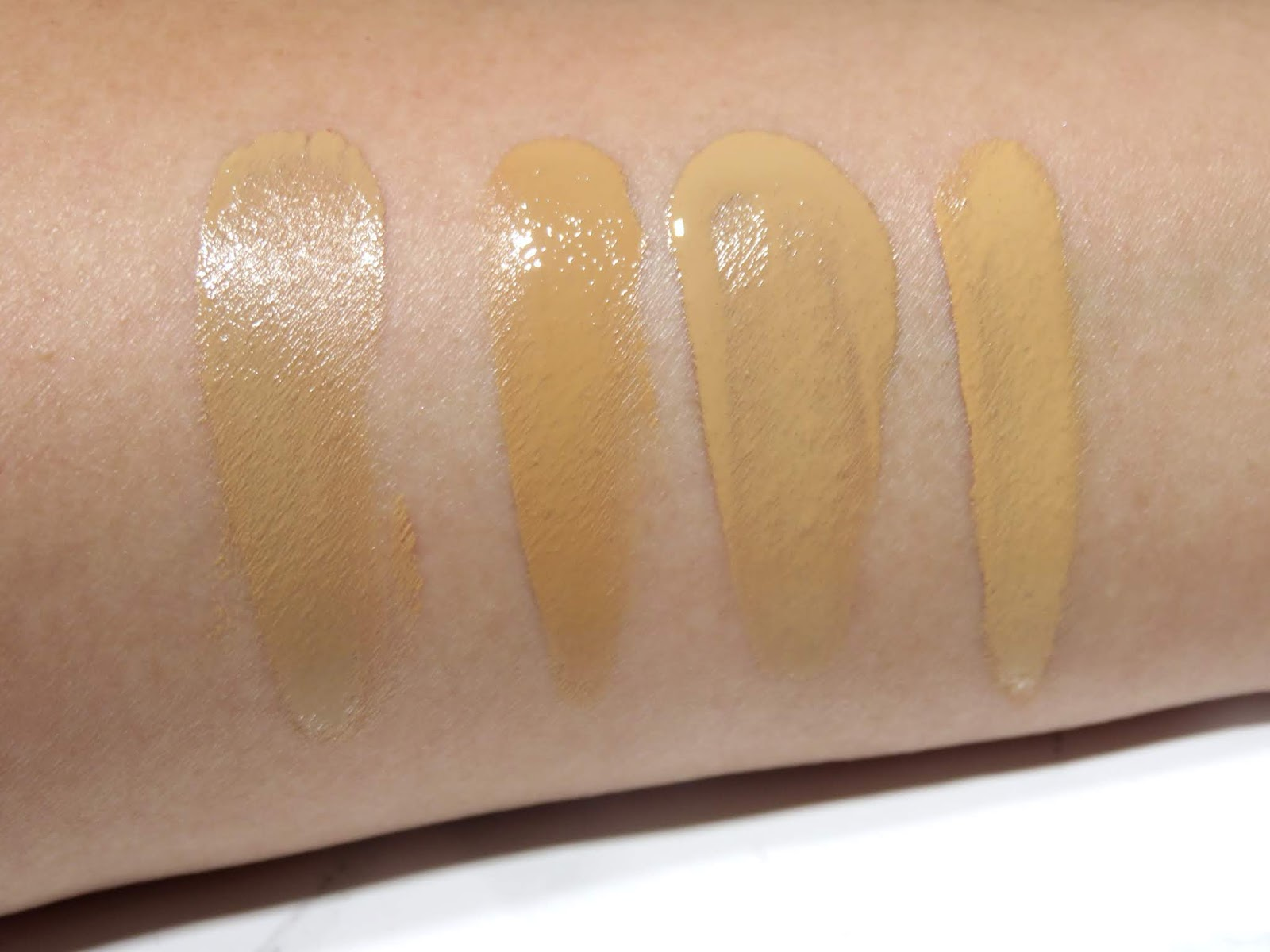 Tom Ford Shade and Illuminate Soft Radiance Cushion Compact Foundation Comparison Swatches