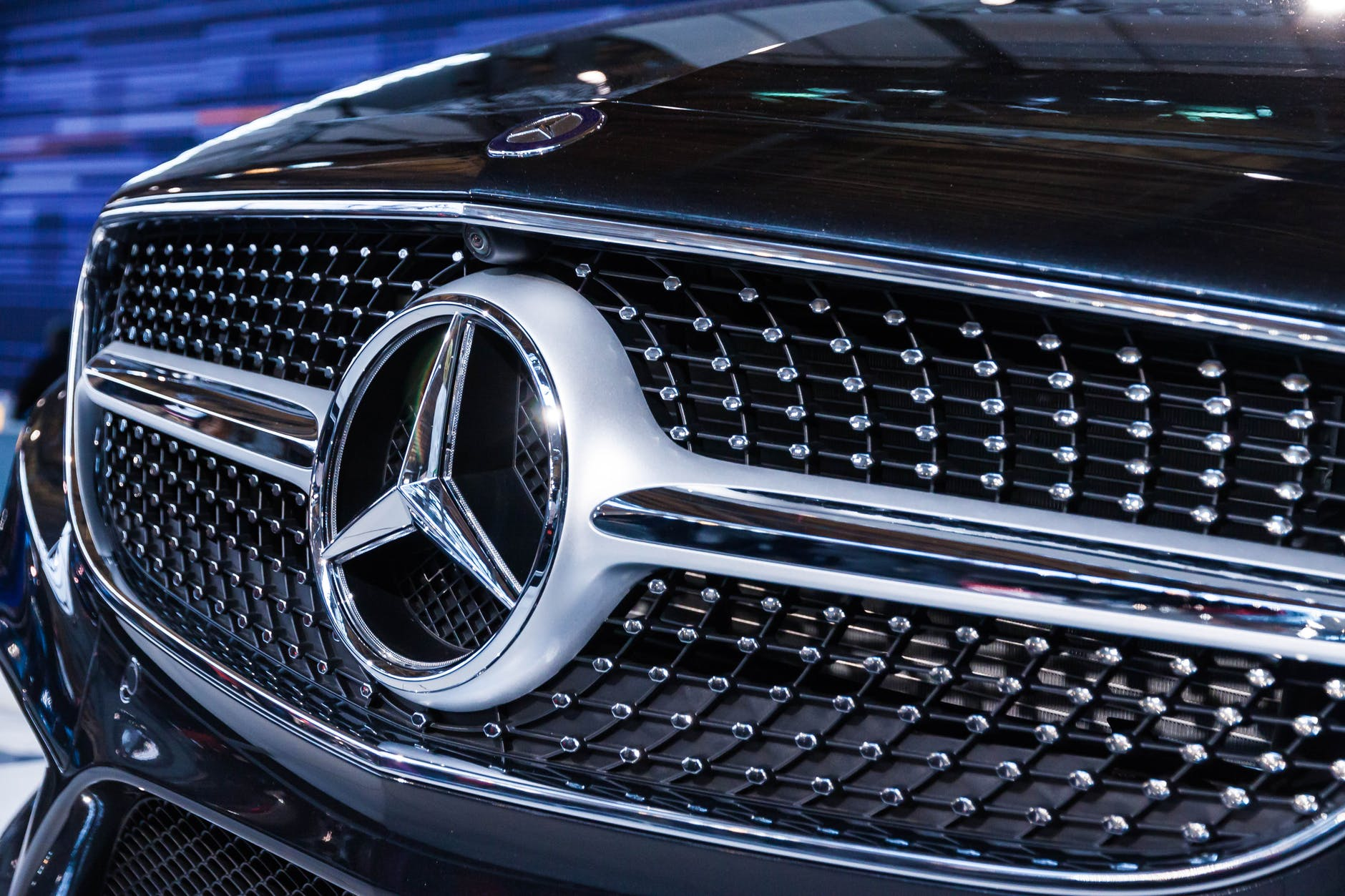 mercedes how to choose a family car