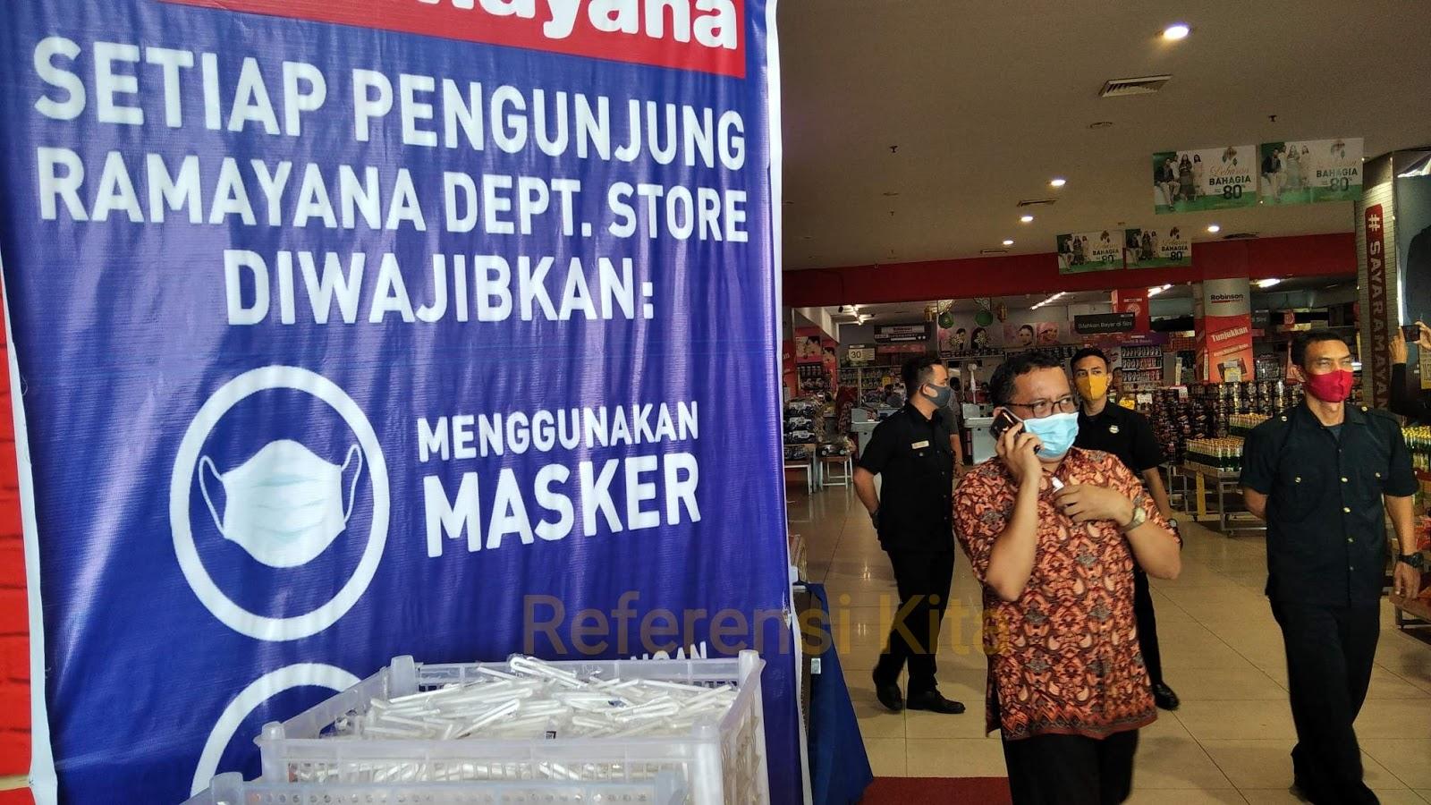 Himbauan untuk pengunjung di Plaza Andalas Padang wajib menggunakan masker