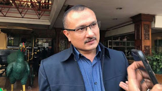 Ferdinand Ikut Nyinyir: Anies Harus Berterima Kasih ke Gubernur Terdahulu