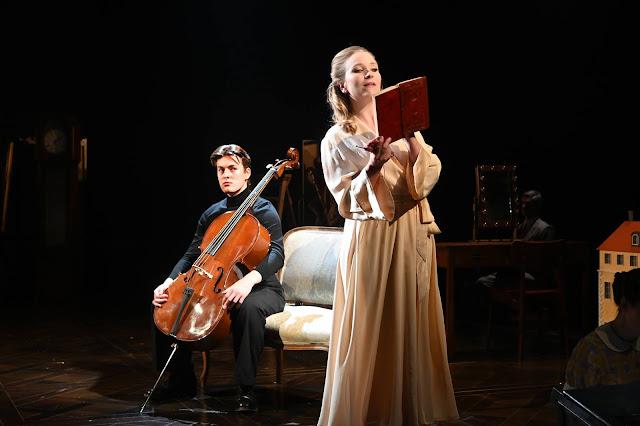 Sondheim: A Little Night Music - Laurence Kilsby, Corinne Cowling - Opera North, Leeds Playhouse (Photo Sharron Wallace)