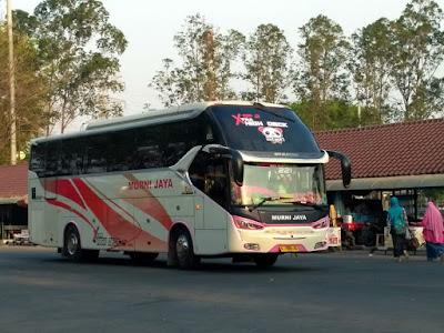 Foto Bus Murni Jaya E221 Samping