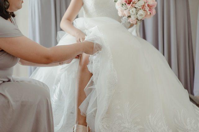 bride leg garter maid of honor
