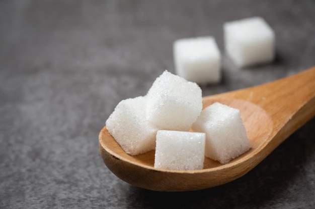 كمية السكر المسموح بها يوميا