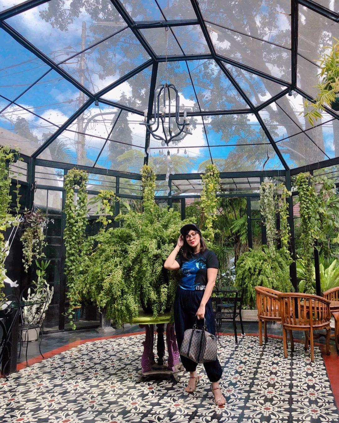 Anggur Madam Wang Secret Garden