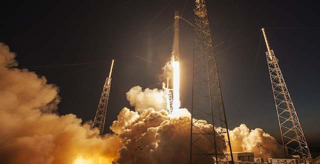 Falcon 9 rocket launches SES-9 satellite into space. Credit: SpaceX