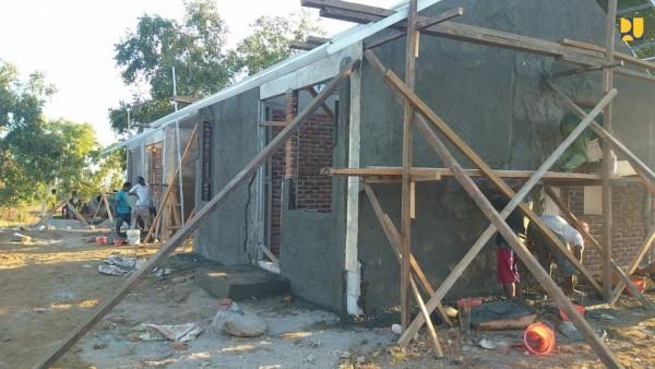 Pembangunan rumah dengan teknologi RISHA (Sumber: Humas Kementerian PUPR)