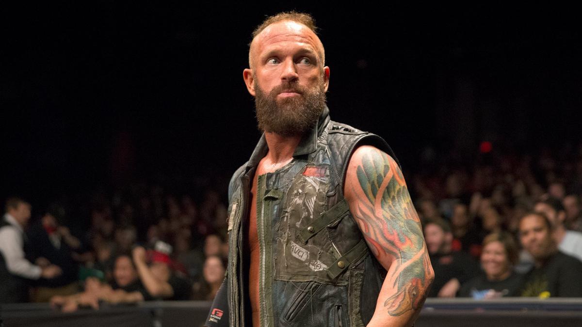 Eric Young pensou em se aposentar após sair da WWE