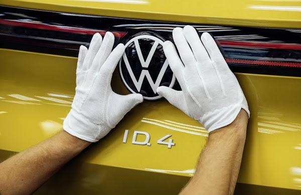 Volkswagen ID.4: fotos da linha de produção na Alemanha