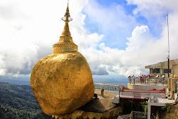 Pagoda Kyaiktiyo sobre la roca dorada