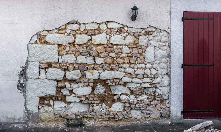What s in a wall?