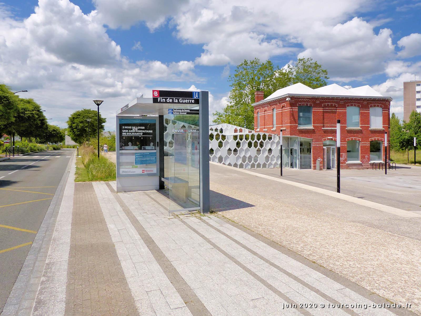 Arrêt bus Médiathèque Chedid Tourcoing, 2020
