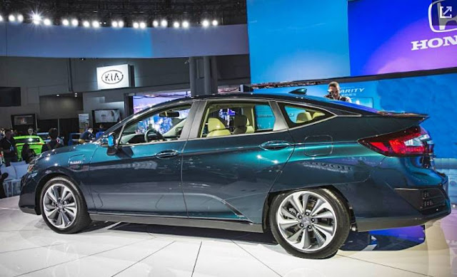 2018 Honda Clarity Electric and Plug-in Hybrid: Elec-Trifecta