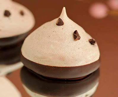 Merengues crujientes  de chocolate casero