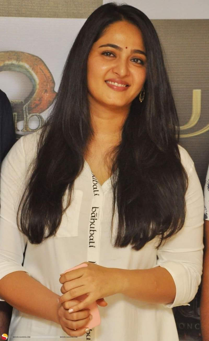 Hot Anushka Shetty Beautiful, Bahubali heroine collections 5