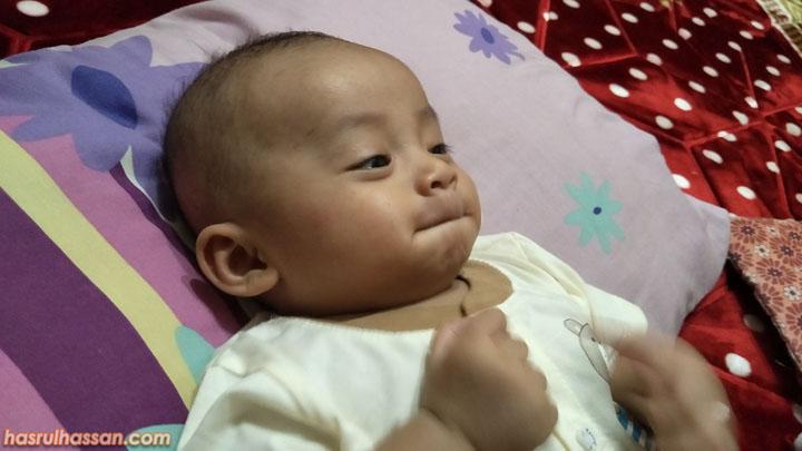 Pakai Sarung Tangan dan Stokin Mitos Dalam Perkembangan Anak