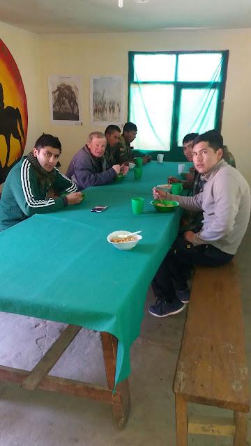 Nach der Einweihung gab es ein schmackhaftes Mittagessen, das die Soldaten zubereitet haben