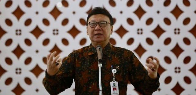"Tjahjo Kumolo Tegur Keras Menteri Bangkang, ""Berkali-Kali Diingatkan, Kalau Tak Setuju Lebih Baik di Luar Saja"""