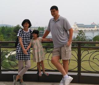 Yao Qinlei with her dad & Mom