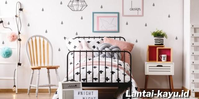 Tips Simple Mendekor Kamar Tidur Anak Perempuan ABG - gunakan wallpaper bermotif unik