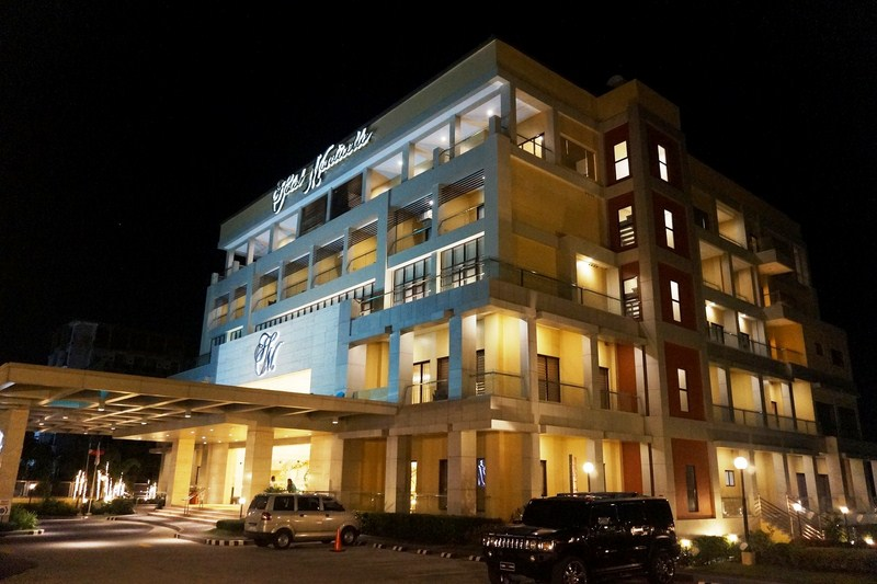 F.Y.I. (Fire Your Imagination): Hotel and Inn Review: Hotel Monticello ( Tagaytay City, Cavite)
