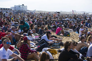 14 Crowd Roxy Pro France 2016 foto WSL Poullenot Aquashot