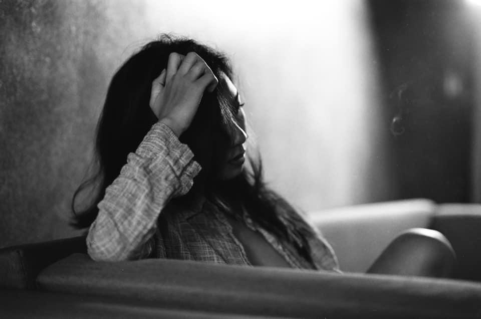Hình Ảnh Buồn Nhớ Nhà Khi Tết Về Của Người Con Xa Xứ & Quê Hương