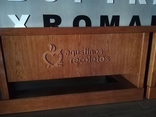 Mesa para salón de actos en Zaragoza