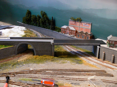 quinntopia - An N Scale blog: Viaduct and Roadway Bridge
