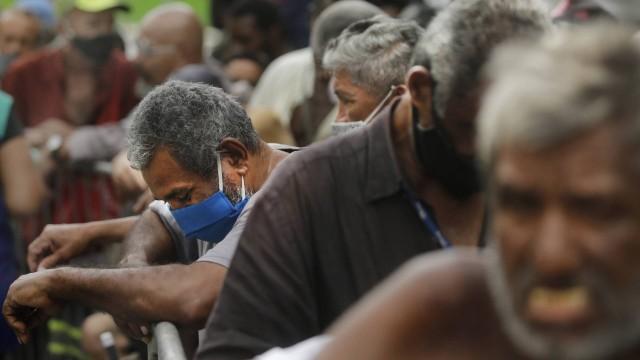 A pandemia de fome matando mais que o vírus, enquanto isso os líderes exigem vacinas em vez de alimentos