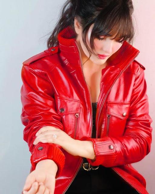 girl in red dress wallpaper