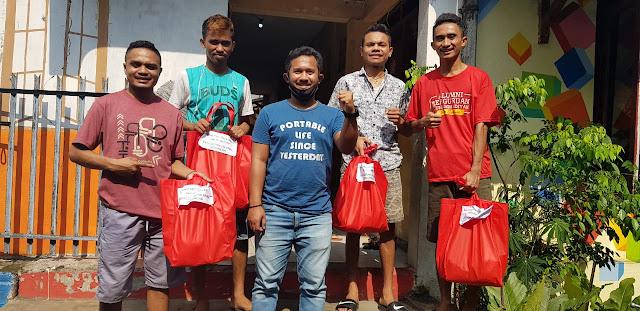 Penggerak Milenial Indonesia Lakukan Aksi Solidaritas Bagi-Bagi Sembako Kepada Mahasiswa Rantau
