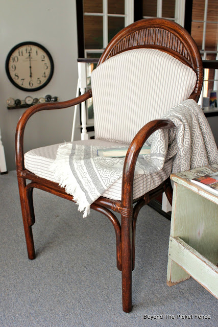 use gel stain to update a bamboo chair