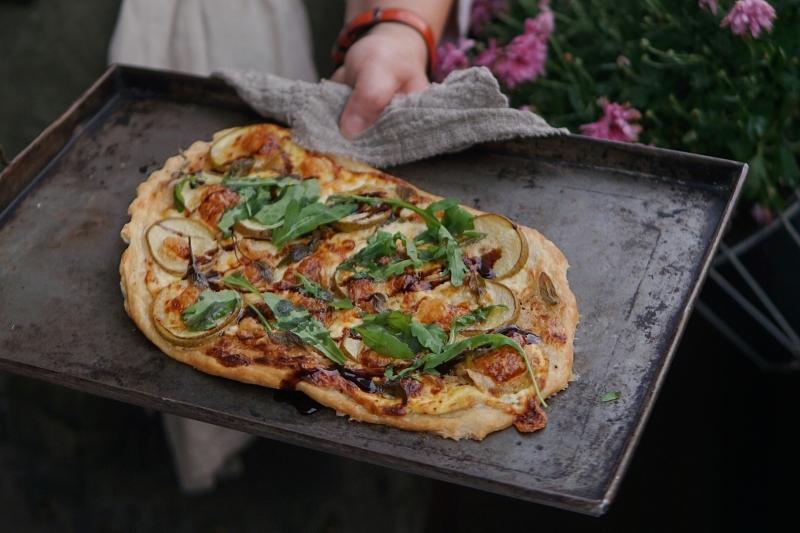 pizza, pizzaperjantai, päärynäresepti, taleggio-juusto