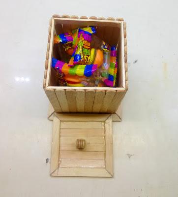 Kotak Permen Dengan Stik Es Krim