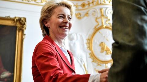 Hidvéghi: reménykeltőek Ursula von der Leyen kijelentései
