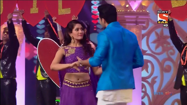 Anju Jadhav TV Show Actress On stage Dance in Purple Saree