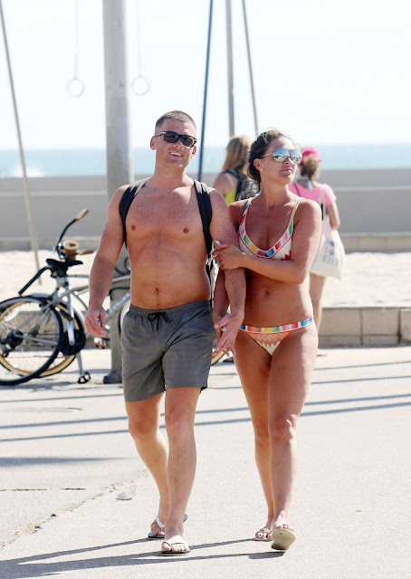 Danielle Lloyd in a BIkini – Exercising With Her Fiance Near Venice Beach