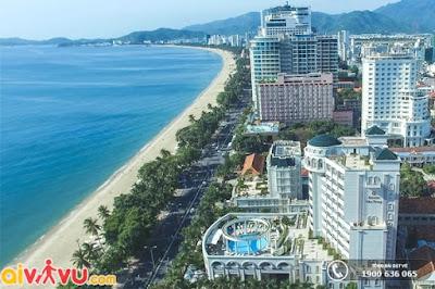 Đường bờ biển dài ấn tượng của Nha Trang