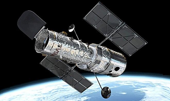 Hubble bắt đầu hoạt động từ năm 1990 ở độ cao cách Trái Đất khoảng 610 km.